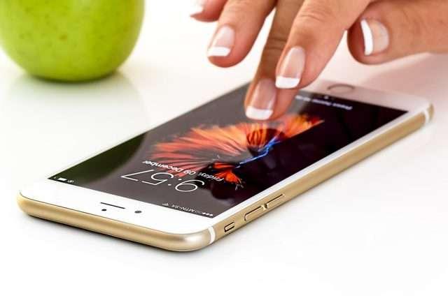 smartphone-1894723_960_720[1]